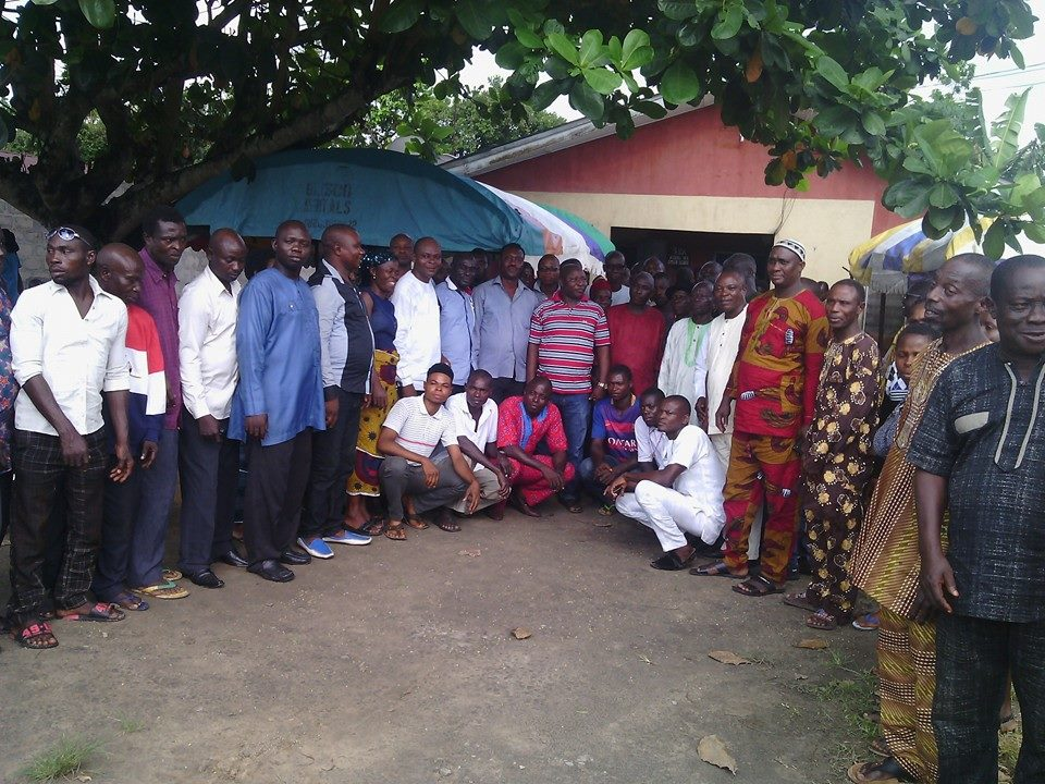Some of the defectors in a group photograph with Isoko North PDP Chairman, Prince Godwin Ogorugba and some of his LGEA Excos.